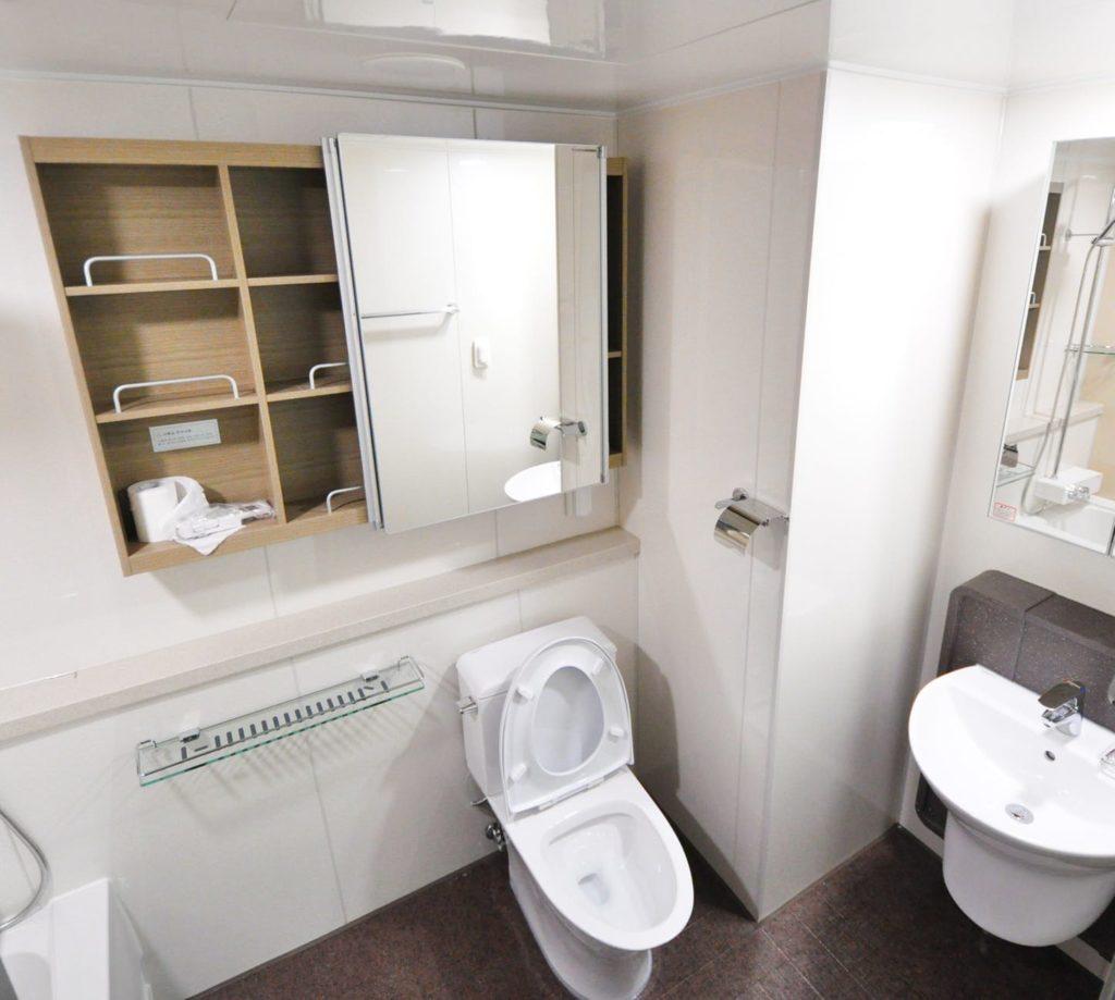 kis fürdőszoba csempe ötletek